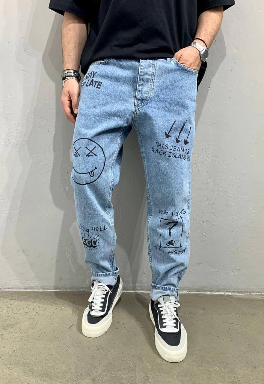 Мужские джинсы прямые МОМ синего цвета расписанные