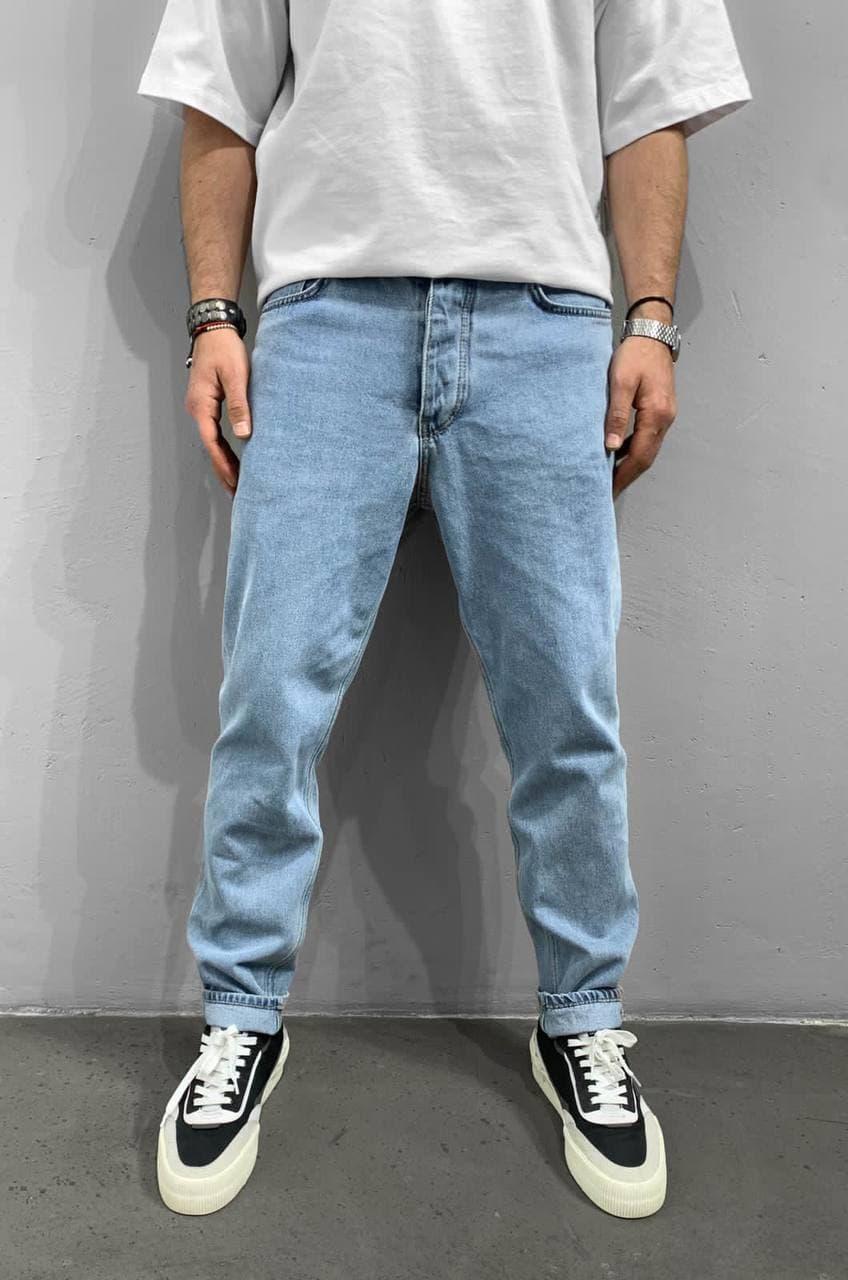 Мужские джинсы прямые МОМ голубого цвета