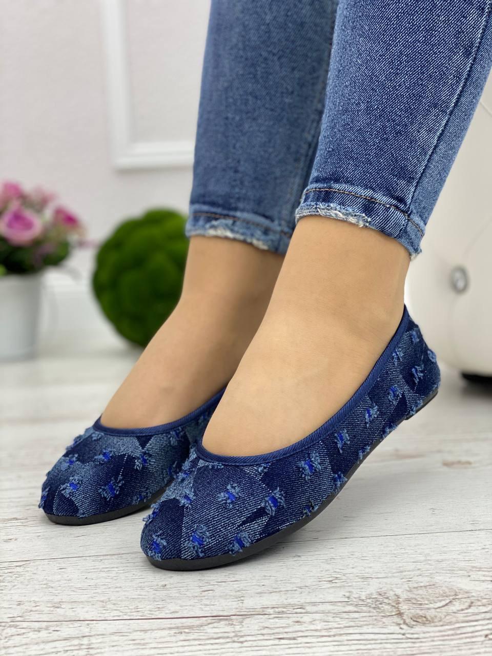 Кросівки жіночі 6 пар в ящику синього кольору 36-41
