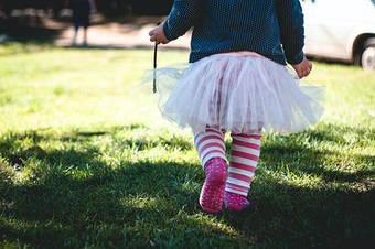 Как маме в декрете начать бизнес по продаже детских носков?
