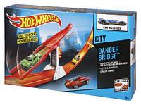 """Трек Hot Wheels """"Місто"""" - Небезпечний міст"""