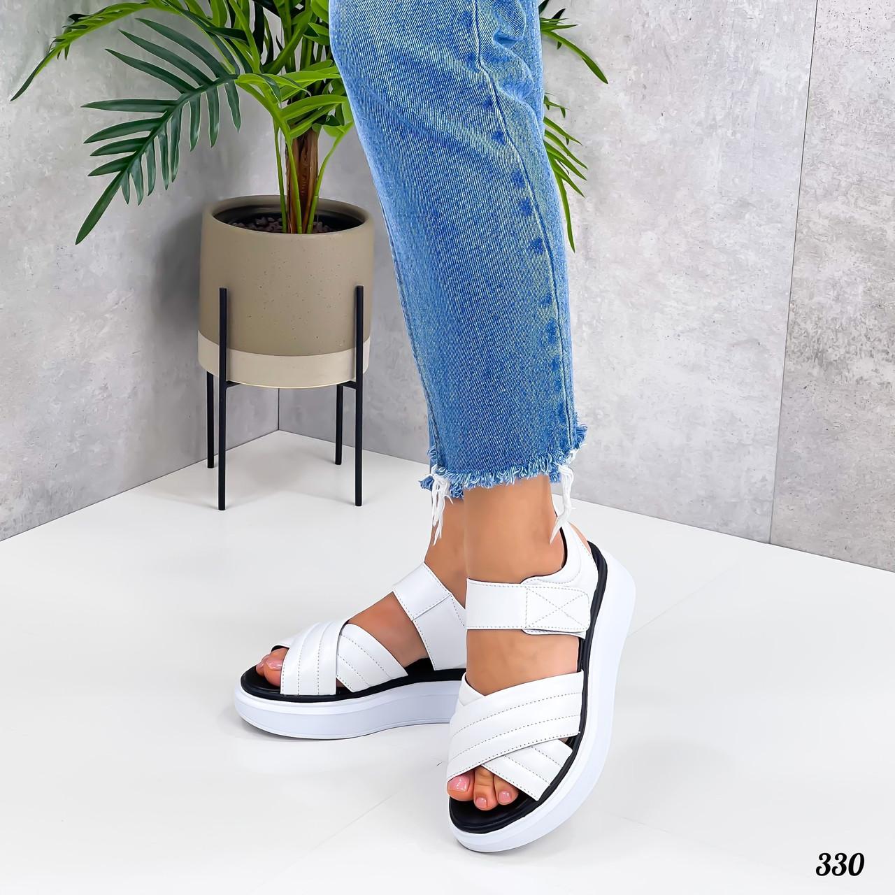 Белые кожаные женские сандалии на липучках