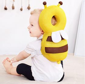 Защита головы и спины ребенка