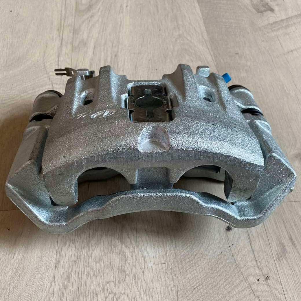 Супорт задній лівий Iveco Е2 Convitex