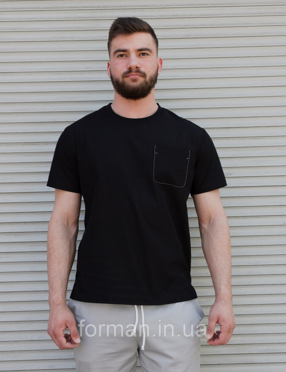 Чорна бавовняний футболка з кишенею на грудях   100% льон