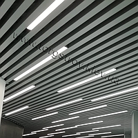 Реечный подвесной потолок, кубообразная рейка 50х50мм, шаг 50мм, цвет металлик RAL 9006