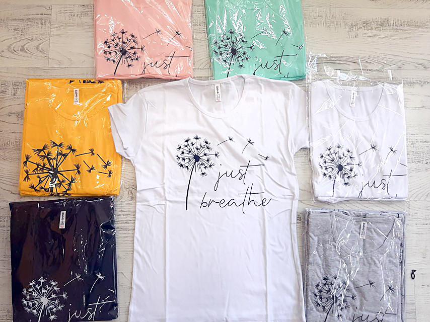 Річна жіноча футболка з кульбабою 42-46 (в кольорах)