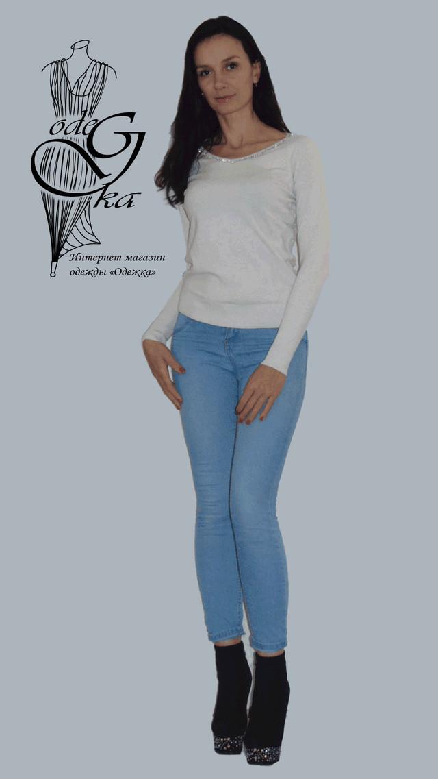 Фото-2 Женского пуловера черного цвета с украшенной камнями горловинкой и ажурной спинкой Лилиана SvLl315