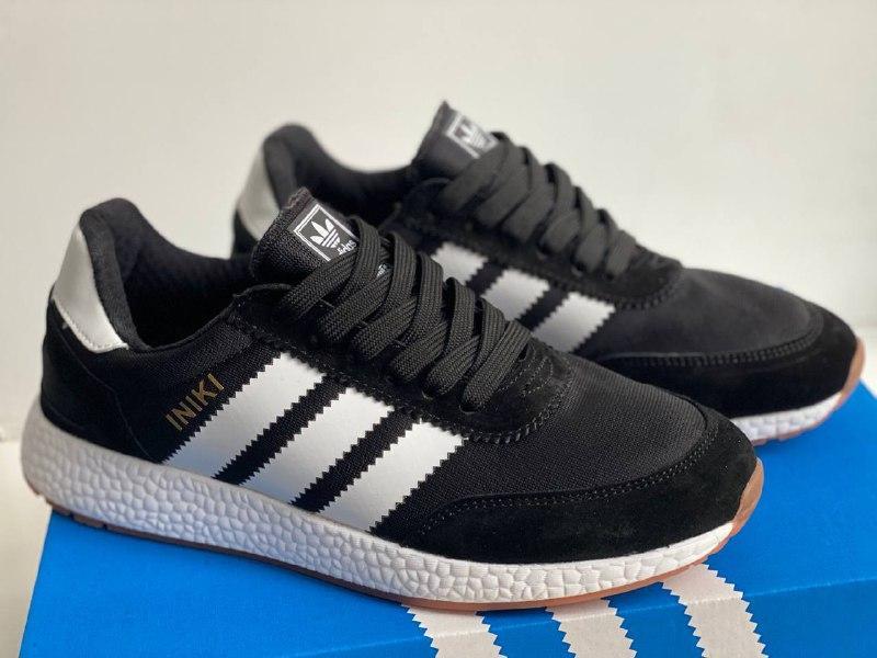 Кроссовки мужские черные на белой подошве в стиле Adidas Iniki Runner Black White