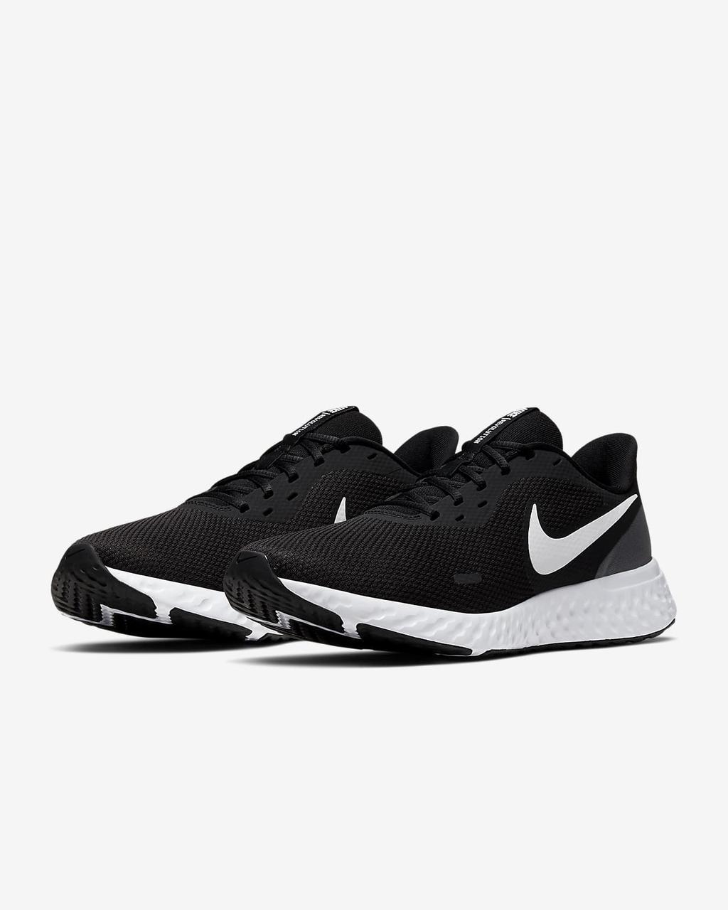 Кроссовки мужские Nike Revolution 5 черные BQ3204-002