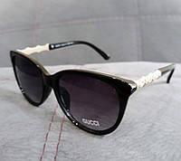 Стильные солнцезащитные очки Gucci