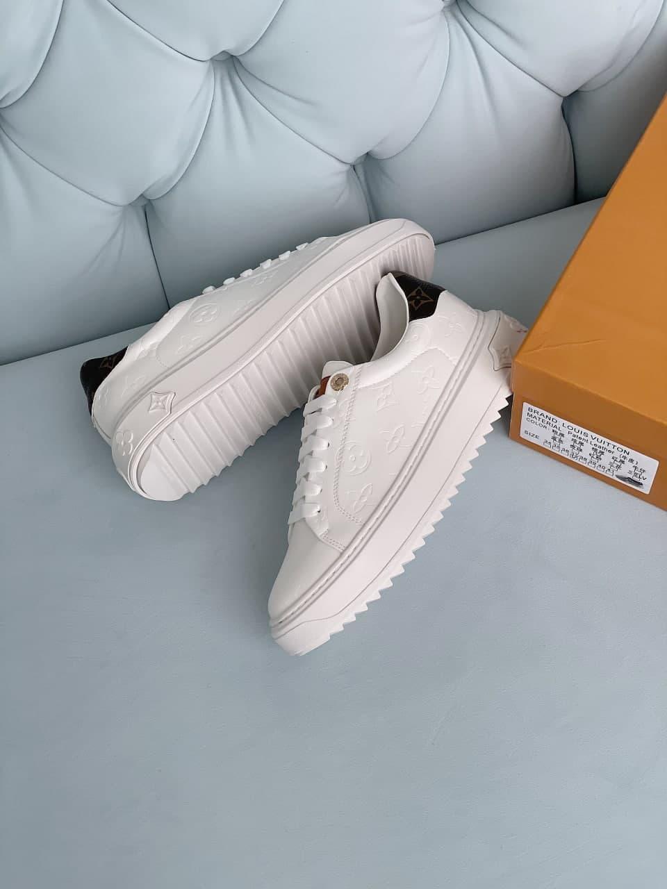Жіночі кросівки Time out Louis Vuitton escale (білий) легка зручна взуття J3093