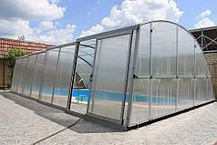 Так выглядит павильон в собранном виде- величественно и грациозно над не менее изысканным бассейном