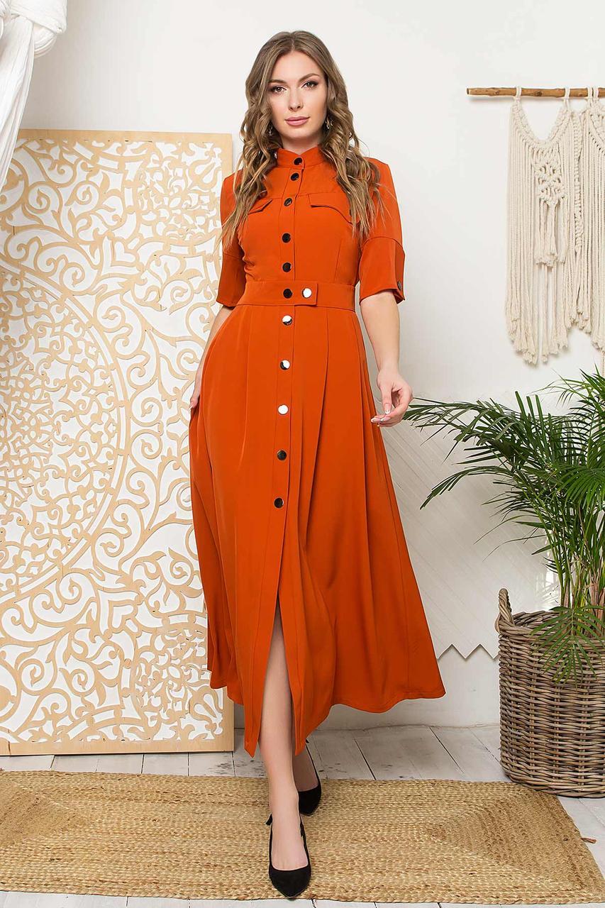 Платье-рубашка макси прямого силуэта, воротник-стойка и короткий рукав. Терракотового цвета
