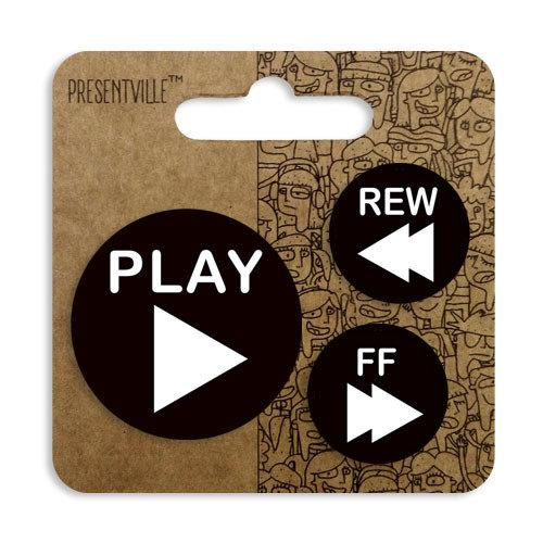 Комплект значків 38, 25, 25 мм Play