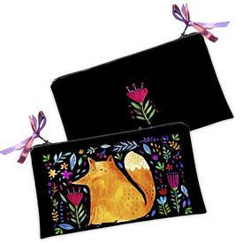 Женская косметичка Лиса и цветы на черном фоне