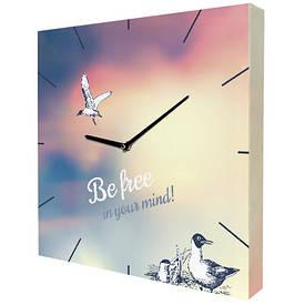 Часы настенные квадратные Be free in your mind!