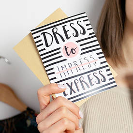 Открытка с конвертом Dress to express