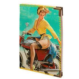 Обложка для водительских прав Девушка на мотоцикле