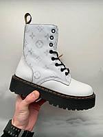 Женские кожаные зимние ботинки Dr. Martens Jadon x Louis Vuitton White Fur
