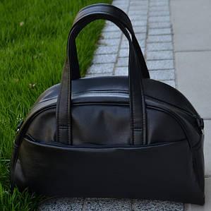 Черная кожаная мужская | женская спортивная сумка (Эко кожа) для фитнеса и тренировок. Стильная дорожная сумка