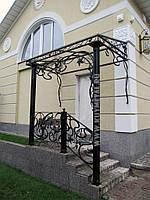 Металлические козырьки над входом