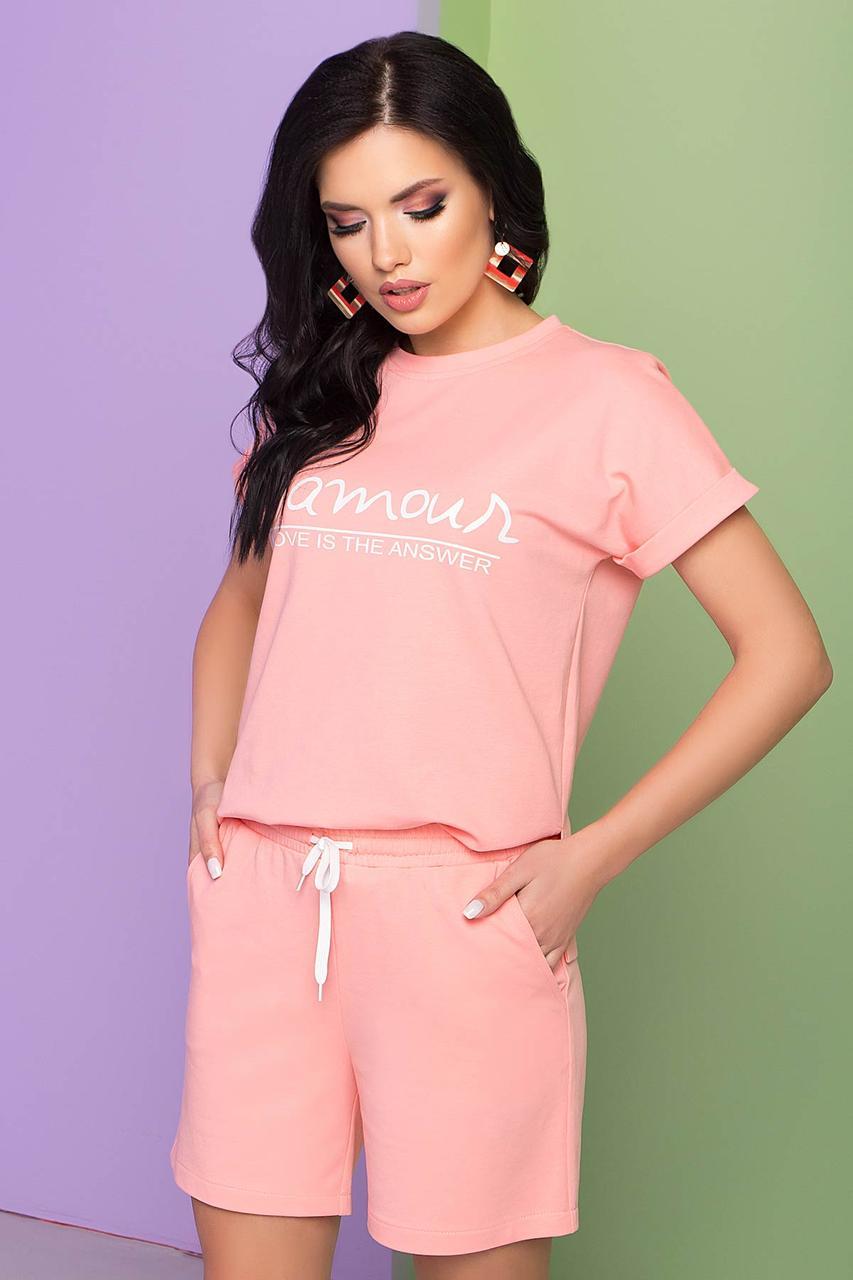 Трикотажный летний костюм-двойка, шорты и футболка, прямого силуэта. Персикового цвета