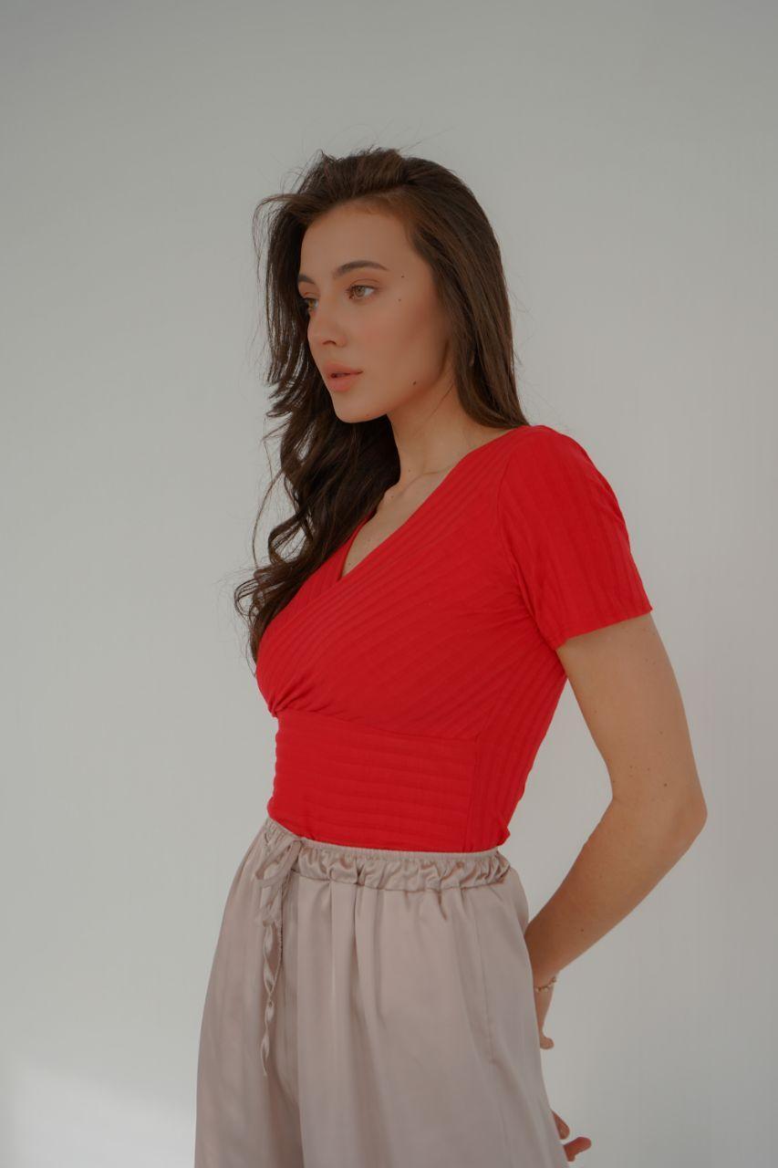 Кофточка з коротким рукавом червоного кольору