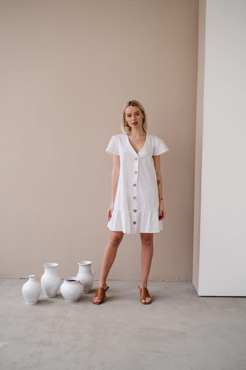 Біле плаття з котону