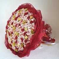 Букет з цукерок Рафаелло величезний