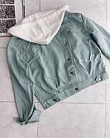 Жіноча стильна джинсова куртка з капюшоном трикотажним, фото 1