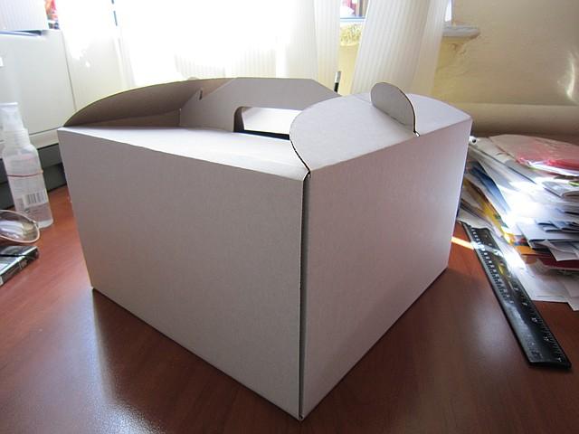 Коробка самосборная для торта 25.5*25.5*18.5 (код 04915)