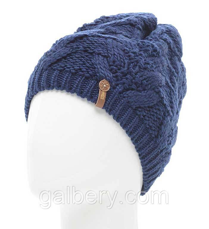 женская вязаная шапка в стиле ручной работы объемной крупной вязки