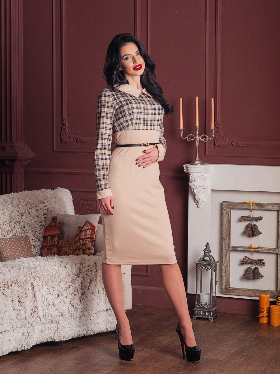 Стильне бежеве ділове плаття