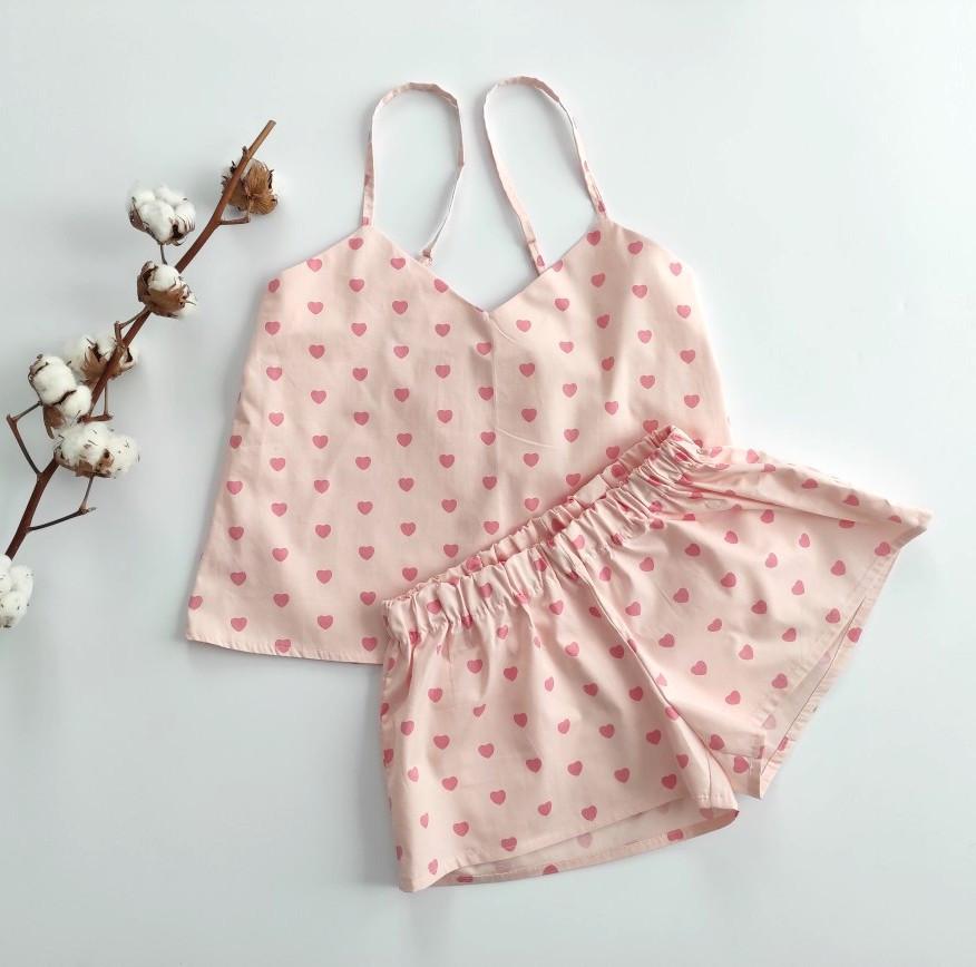 Сатинова піжама рожева в серця, шорти, майка