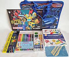 Подарок выпускнику детского сада - набор канцтоваров для мальчика