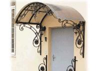Кованые козырьки над воротами
