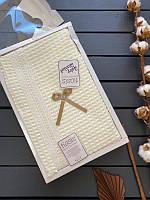 Детский вязанный летний плед в коробке Tiasis , подойдет на выписку, конверт-плед для новорожденного (Турция)