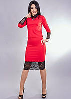 Стильный женский костюм с гипюровым кружевом