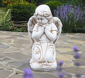 Садовая  парковая фигура Ангел молящийся на коленках 33x32x54.5 см Крем