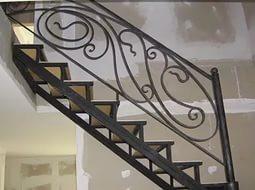 Виготовлення сходів на металевому каркасі
