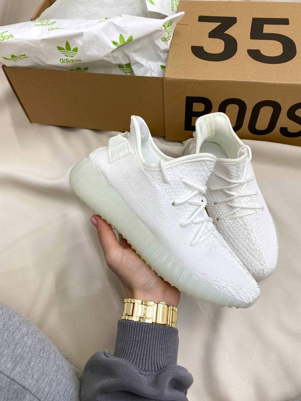Женские кроссовки Adidas Yeezy Boost 350 (белые) YE031 стильные модные кроссы