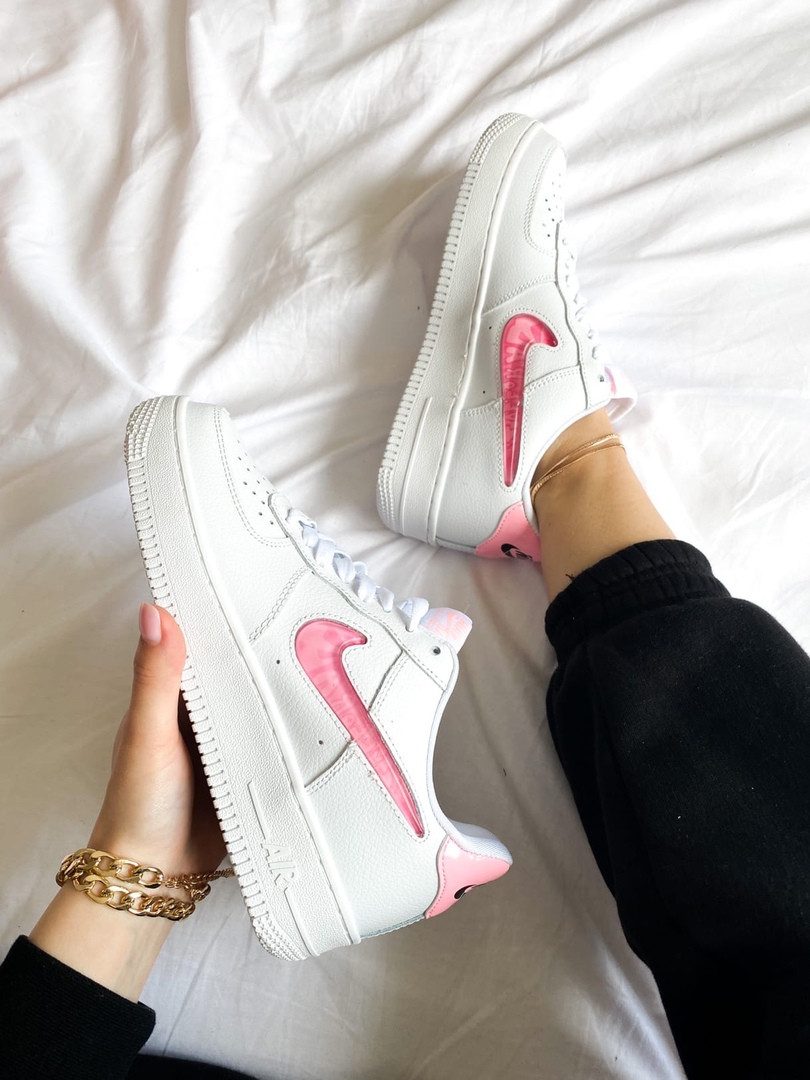 "Женские кроссовки Nike Air Force 1 SE""Love For All""  белые"
