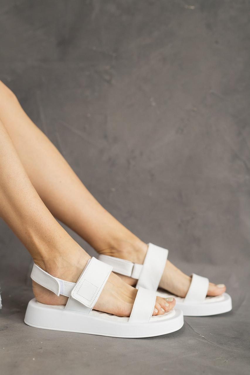 Жіночі босоніжки шкіряні літні білі Emirro 1057-06