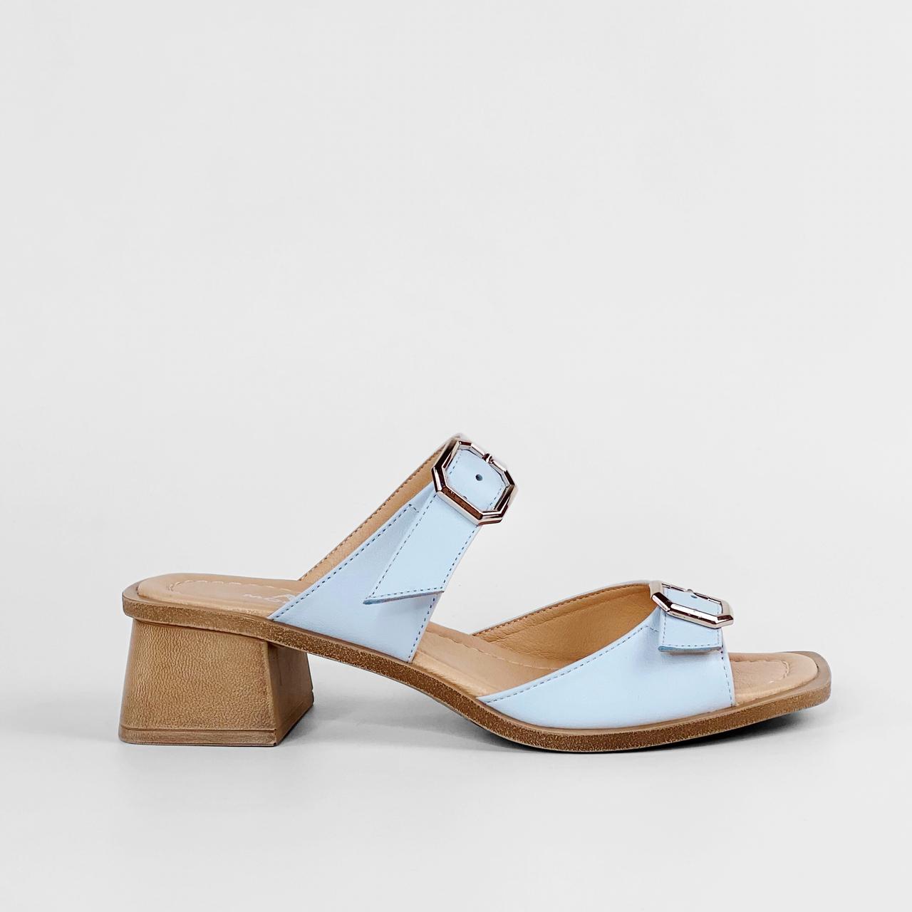 Сабо женские кожаные голубые на каблуке с пряжками MORENTO