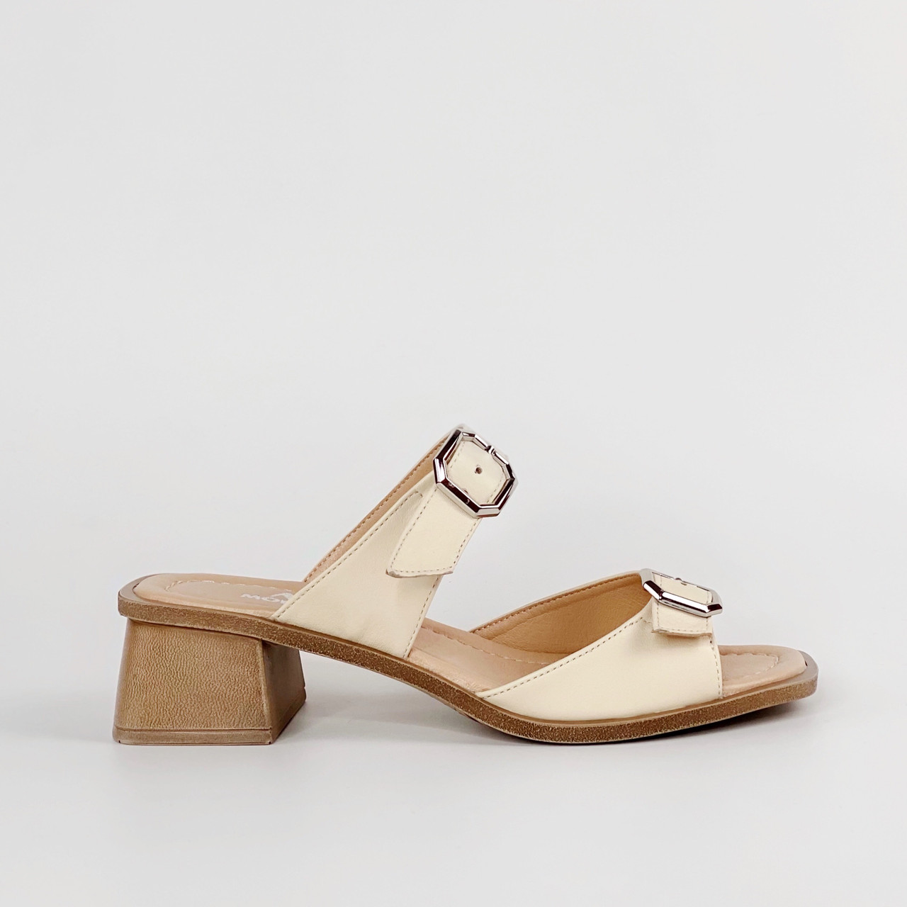 Сабо женские кожаные молочные на каблуке с пряжками MORENTO