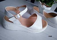 Жіночі  босоніжки білі на платформі, натуральна шкіра флотар, фото 1