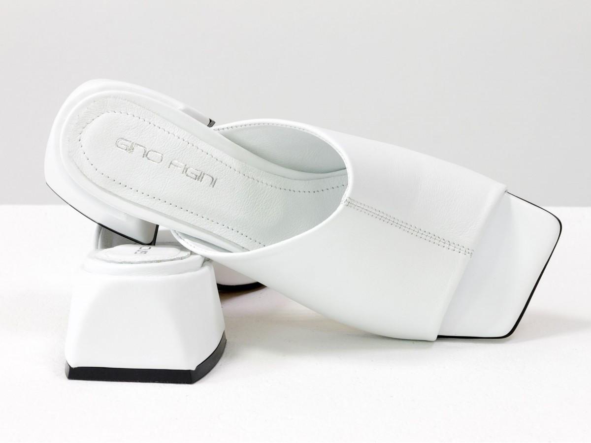 Шлепанцы с квадратным носиком из натуральной итальянской кожи белого цвета с белым кожаным подкладом