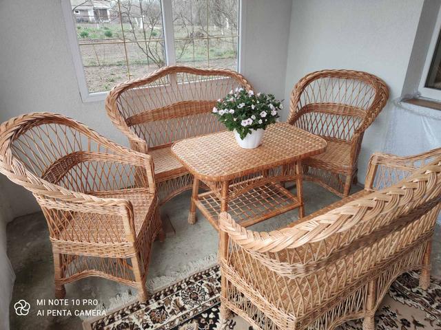 Набори мебелі з діваном