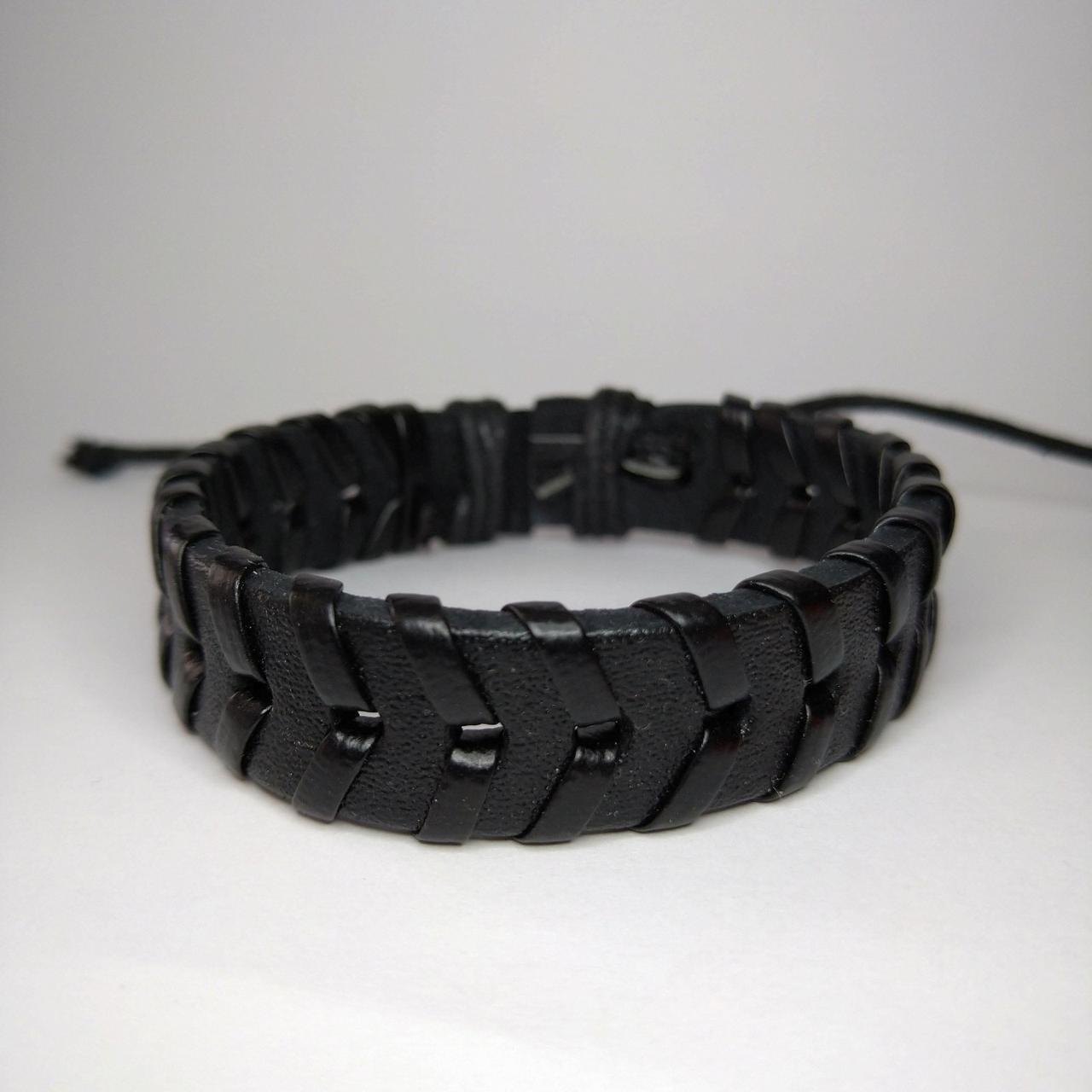 Плетений шкіряний браслет протектор чорний KB-4